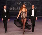 curvy Robyn-Lawley-SidneyFashionShow